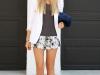 Shorts estampados: look con blazer