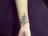Tatuajes de Navidad: árbol verde