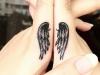 Tatuajes en los dedos: alas