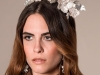 Tocados y diademas para novias 2018 Mibúh: modelo flores blancas