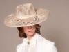 Tocados y diademas para novias 2018 Mibúh: modelo sombrero beige