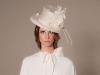 Tocados y diademas para novias 2018 Mibúh: modelo sombrero flores
