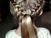 Trenzas para niñas: peinado coleta y corona