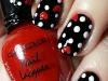 Uñas decoradas San Valentín: corazones y lunares