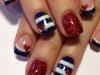 Uñas decoradas San Valentín: corazones navy