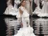 Vestidos de flamenca 2017: Ana Morón modelo blanco con volantes