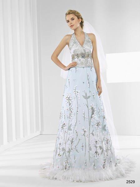 Vestidos de novia color pastel 2017: Patricia Avendaño modelo 2529