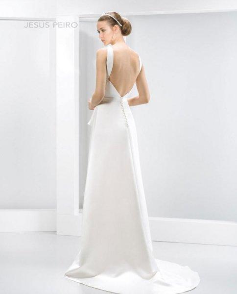 477c1ee2b40fb Vestidos de novia con espalda al aire 2017  Jesus Peiró modelo 6006.  Vestidos de novia con espalda al aire 2017  Jesus Peiró modelo 6006