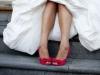 Zapatos de novia de colores: rojos con lazos