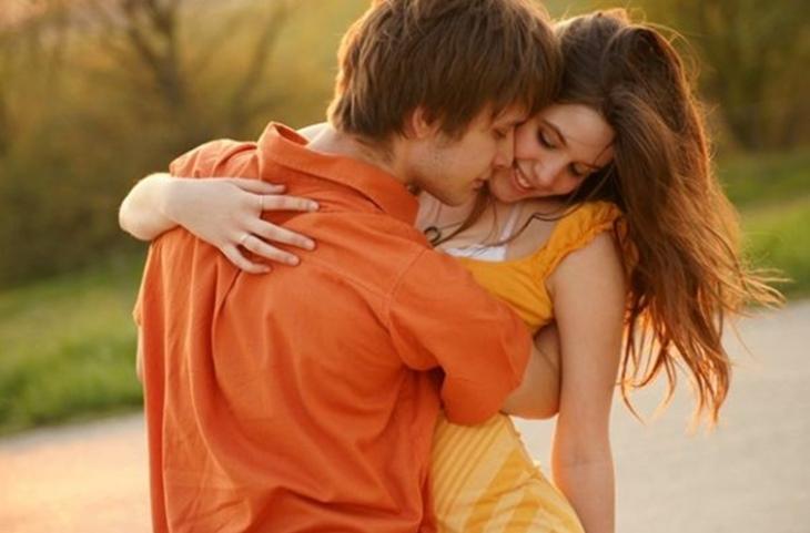 Significado de los abrazos de un hombre: Lenguaje no verbal