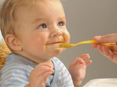Alimentación bebés ¿Cómo deben ser las primeras papillas?