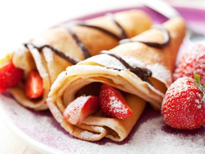 Crepes de chocolate con fresas: Receta fácil y dulce