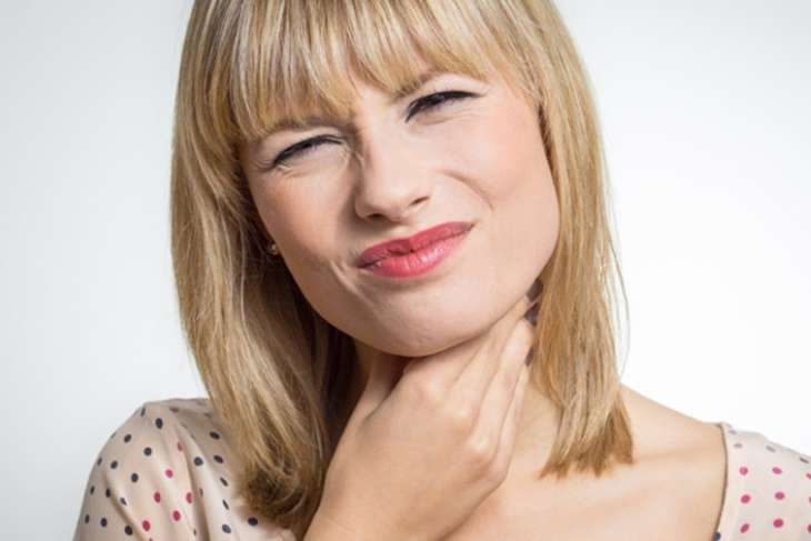 Placas en la garganta: Síntomas y tratamiento más adecuado