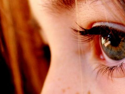 Ojos irritados y rojos: Causas y remedios caseros eficaces