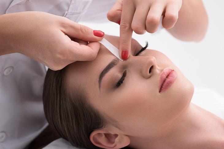 Cómo depilarse las cejas según la forma de la cara