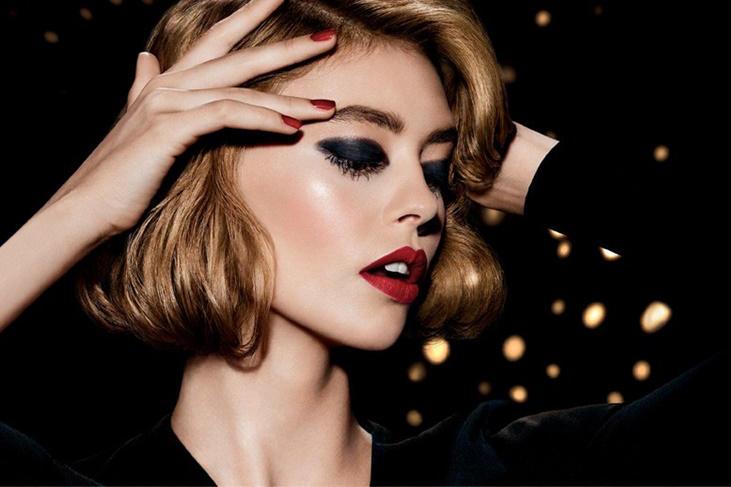 Maquillaje de fiesta paso a paso: Trucos para un look infalible