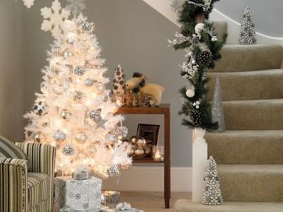 Árbol de Navidad blanco: Cómo decorarlo para que sea vistoso