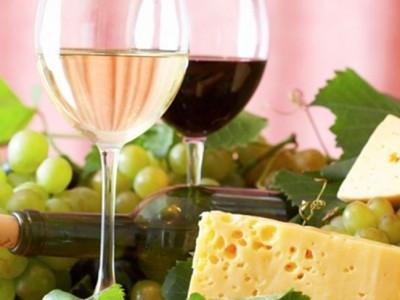 Bebidas en la comida: Las más adecuadas según la comida