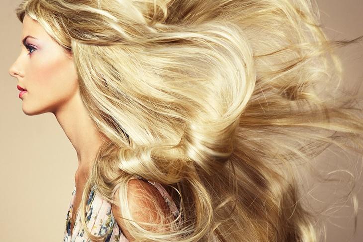 Caspa en el pelo: Remedios caseros y efectivos