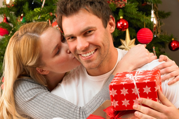 Regalos románticos para parejas en Navidad: Sorprende a tu chico