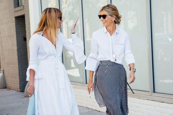 Camisa blanca mujer: looks casual chic