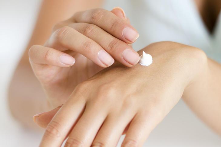 Crema de manos hidratante casera, ¡aprende a hacerla!
