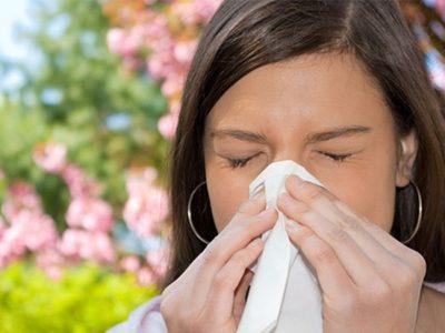 Rinitis alérgica estacional: Síntomas y tratamiento más adecuado
