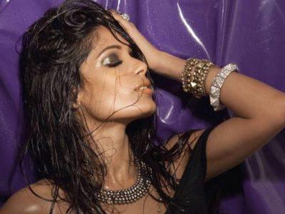 Maquillaje metalizado para fiestas: La reina de la noche