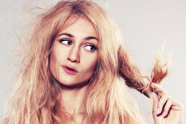 Cómo reparar el pelo dañado con remedios caseros