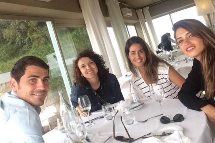 Sara Carbonero e Iker Casillas amigos y familia en Oporto