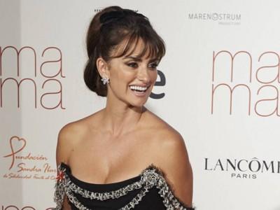 Penélope Cruz se rodea de famosas en el estreno de 'Ma Ma'