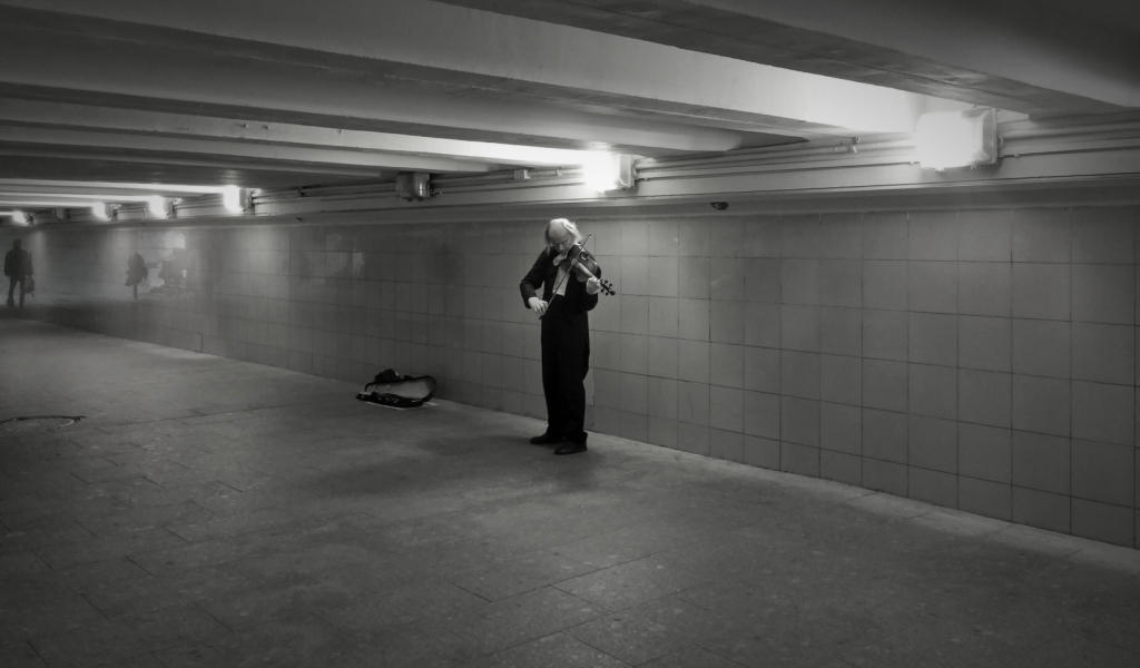 Caminando por Moscú: violinista