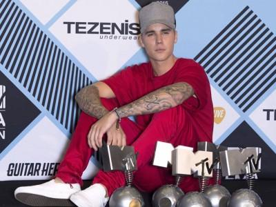 Justin Bieber triunfador en los MTV EMA 2015