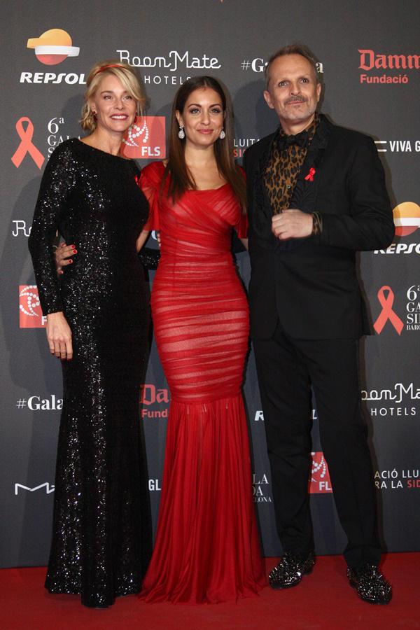 Hiba Abouk, Belén Rueda y Miguel Bosé
