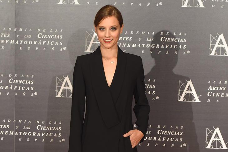 Michelle Jenner elegancia y estilo en la entrega de Medallas de la Academia de Cine