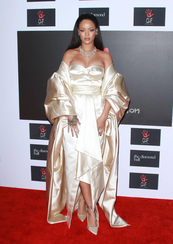 Rihanna look de Dior en el Diamond Ball 2015