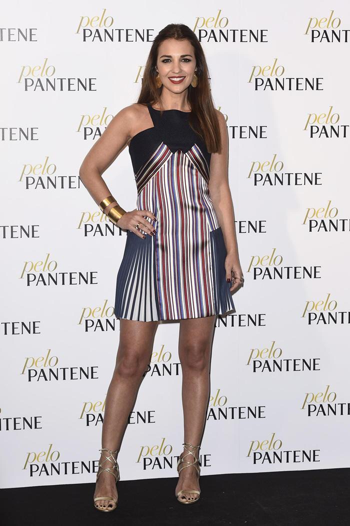 Paula Echevarría look con vestido de rayas