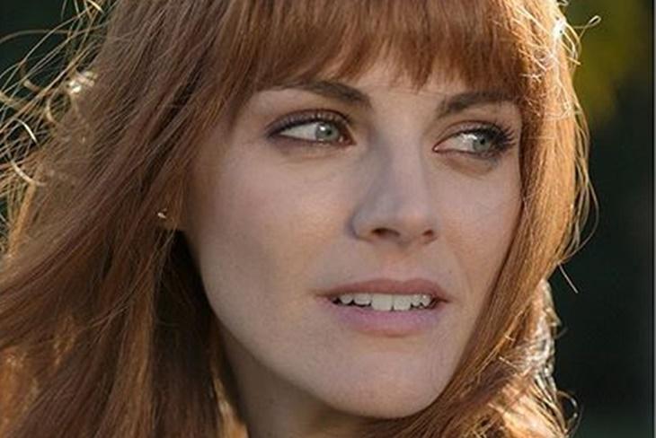 Amaia Salamanca cambia de look en la serie 'La Embajada'