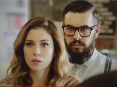 Blanca Suárez y Mario Casas hipsters en el rodaje de 'El Bar'