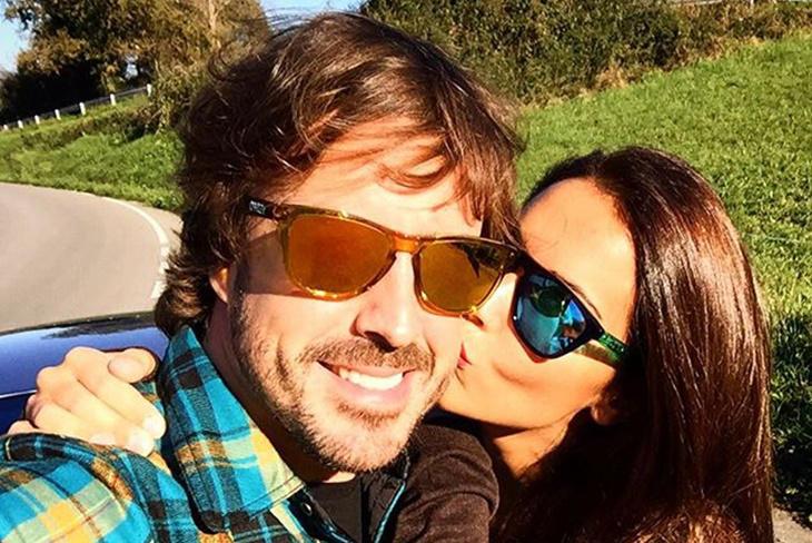 Fernando Alonso y Lara Álvarez, ¿boda en verano?