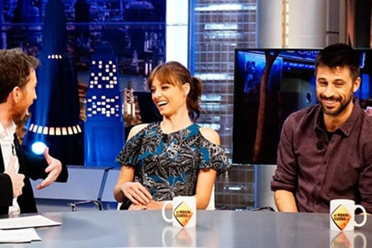 Michelle Jenner y Hugo Silva demuestran su química en 'El Hormiguero'