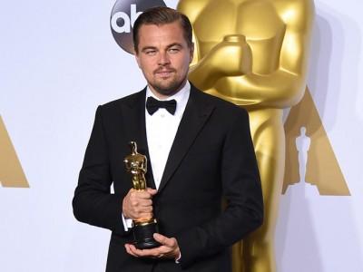 Leonardo DiCaprio, ¡se olvidó su Oscar en un restaurante!