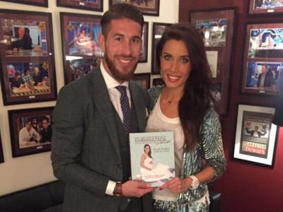 Pilar Rubio presenta su libro, apoyada por Sergio Ramos, en 'El Hormiguero'
