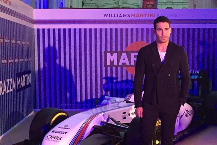 Miguel Ángel Silvestre vuelve a España como 'chico Martini'