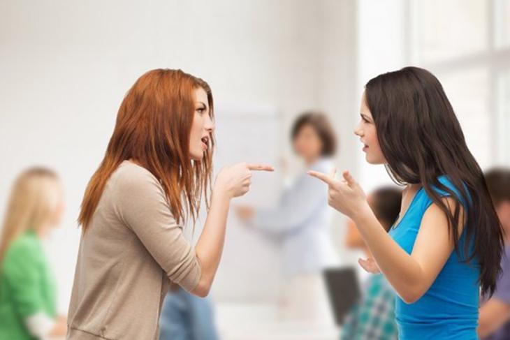 Cómo actuar con la novia de tu ex: Claves para salir airosa