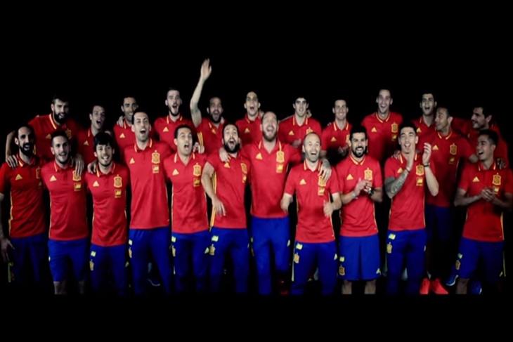 El himno de España para la Eurocopa 2016, La Roja Baila
