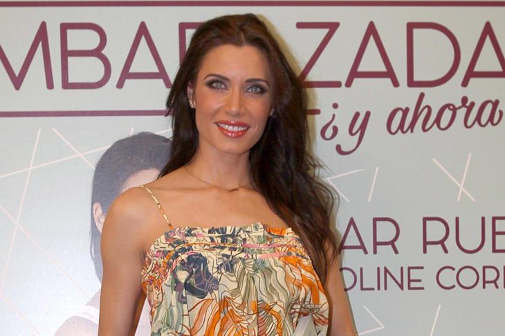 Pilar Rubio se da el primer baño del verano luciendo cuerpazo