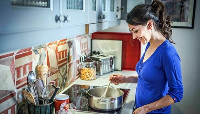 5 sitios clave donde encontrarás gérmenes en tu cocina
