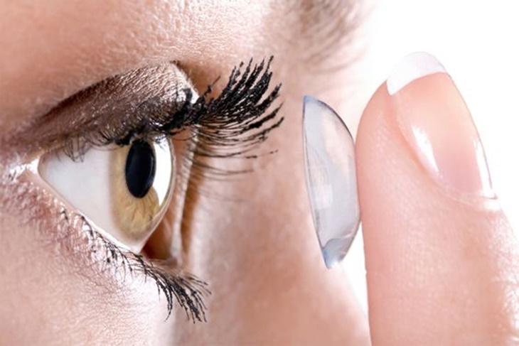 5 situaciones que han vivido las personas con lentillas