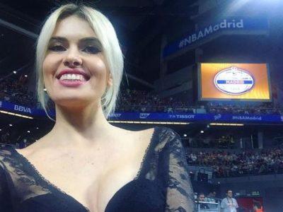 Adriana Abenia, una cheerleader más en el baloncesto